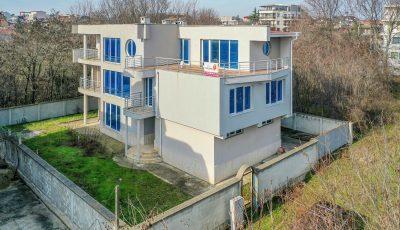 3 етажна къща 3D Model